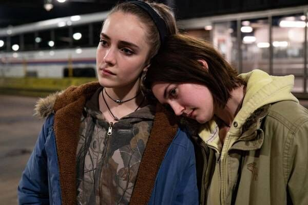 映画『17歳の瞳に映る世界』少女たちの勇敢な旅路を描く、ベルリン国際映画祭銀熊賞受賞