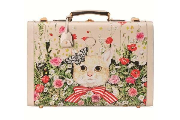 """銀座「グッチ並木」限定ヒグチユウコのコラボバッグ&財布など、""""春の庭園""""背景にネコやカエル"""