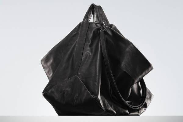 """ディスコード ヨウジヤマモトの新作バッグ、""""チューリップ""""のような形の3WAYトートなど"""