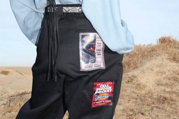 """ジエダ×ディッキーズのパンツ、""""90年代デッドストック""""ラベルを転写したヴィンテージ風"""