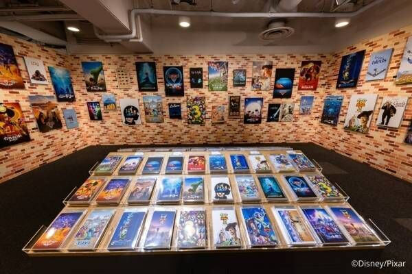 """ピクサー歴代作品を辿る展示イベントが松坂屋名古屋で、約200種のグッズ販売と""""一緒に楽しむ"""""""