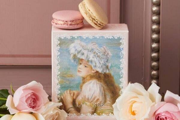ラデュレ限定マカロンボックス、ルノワールの絵画《レースの帽子の少女》を配したパステルカラー