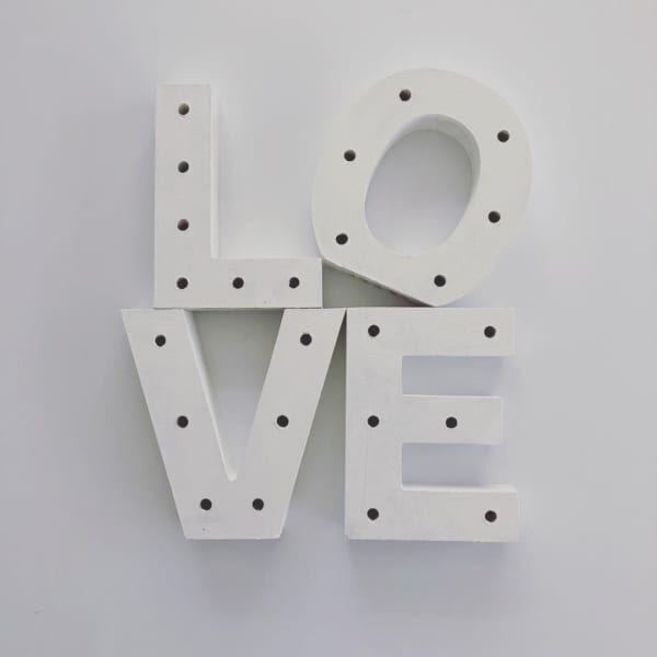 【キャンドゥ】のMDFレターとLEDライトで作る♡キュンとなる可愛さの「LOVEマーキーライト」