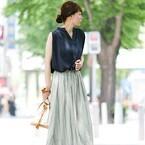 ノースリーブブラウスを着こなす大人の夏コーディネート☆スカート&パンツスタイルに合わせてご紹介