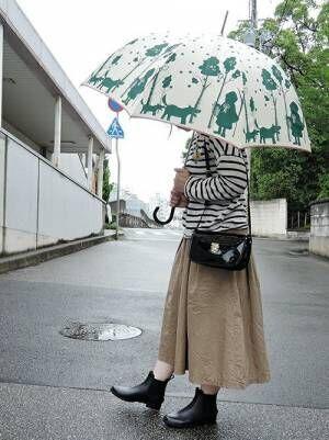 雨の日の足元どうする?大人女子が参考にしたい『レインシューズ』コーデ特集!