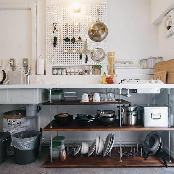 コンパクトなキッチンの賢い収納術。1人暮らしのワンルームでも諦めない!