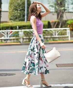 女性らしいボディラインがgood♡オトナ女子のカラフルニット初夏スタイル15選