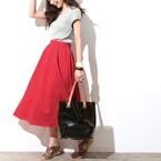 《赤orグリーン》着映えを狙うなら、あなたはどっちのカラースカートを選ぶ?