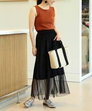 夏も黒スカートが穿きたい!重く見えない透け感&女っぷりもアップした着こなしまとめ