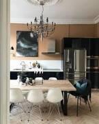 シックな北欧スタイル!ノルウェーのインテリアスタイリストが暮らすダークカラーのお家