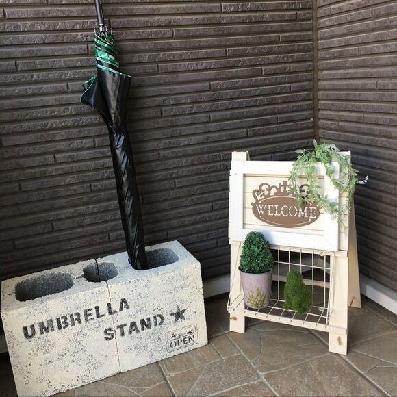 かさばる靴や傘、お出かけグッズもスッキリ☆玄関の収納アイディア15選