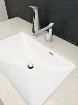 【連載】ミニマムでシンプル♪モノトーンの洗面所と収納棚をご紹介