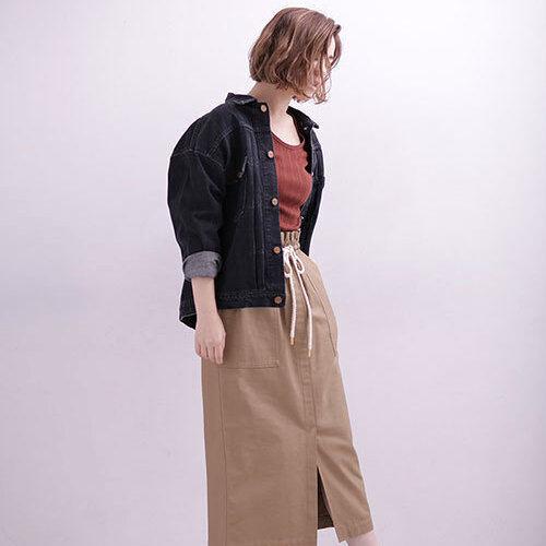 秋のワードローブに取り入れて♪ブラックデニムジャケットのカッコいいスタイリング