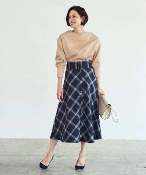 タイトとフレアで雰囲気が変わる!チェック柄スカートで作る大人のトレンドコーデ♪