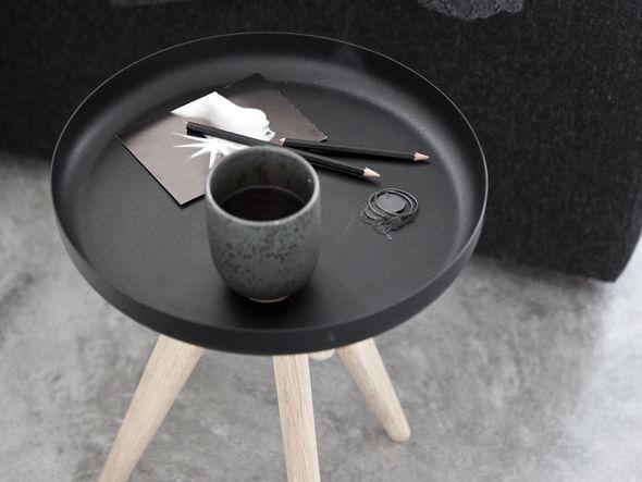 インテリアテイストに合わせて選ぼう☆あると便利な「サイドテーブル」特集