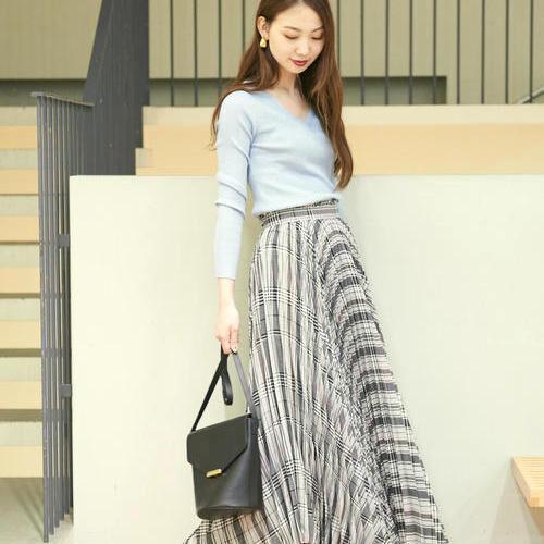トレンドアイテムのロングスカート♡大人かわいいスタイリングをご紹介