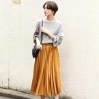 コーデを輝かせる素材でオシャレ度アップ!サテンスカートの秋スタイル15選