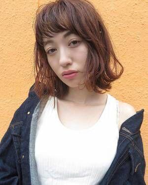 顔まわりで揺れる髪が可愛い♡コテで作る簡単ふんわりカールスタイル