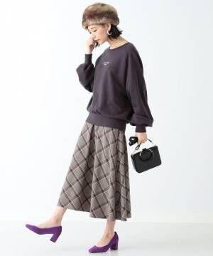 スウェットトップス&クラシカルな柄スカートで作る♪大人の秋冬スタイルをご紹介!