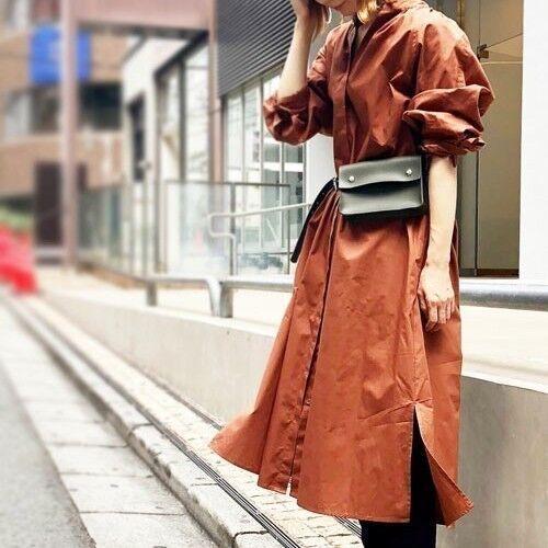 リッチな雰囲気に♡流行りのウエストバッグは「レザー」におまかせ!