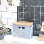 【連載】味気ないプラケースを塗料と木材で温かみのある収納ボックスに変身させよう!