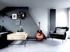 ギターをディスプレイしているお部屋8選!おしゃれに飾ってワンポイントにしよう☆