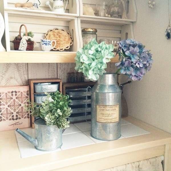 秋だけど色鮮やかなお部屋にしたい!造花をインテリアに取り入れよう♪