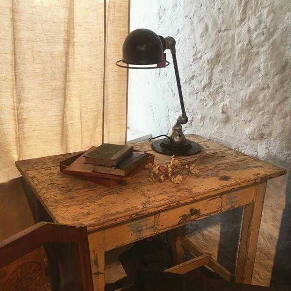 アンティークテーブルは部屋のイメージを決める大事なアイテム3