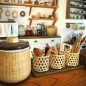 散らかりがちなキッチン!細々としたものの収納アイデアをご紹介♪