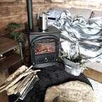 ほっこりする温かさ♪おしゃれな暖炉や薪ストーブを取り入れてみませんか?