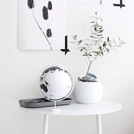 お部屋のディスプレイに!地球儀をプラスしておしゃれな空間を作ろう♪