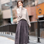 スカート派の秋冬マストアイテム!《スエード風スカート》でレディライクな着こなしを♪