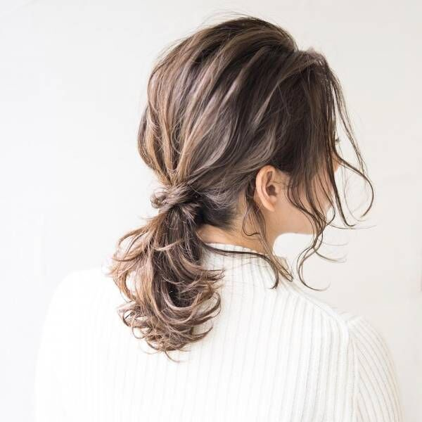 冬でも可愛いまとめ髪を楽しみたい!ニットに合うまとめ髪特集♡
