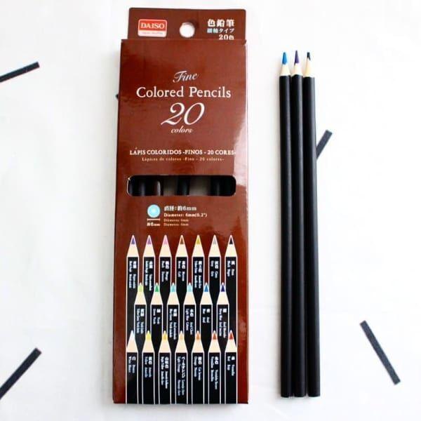 ブラックの色鉛筆にひと手間プラス2