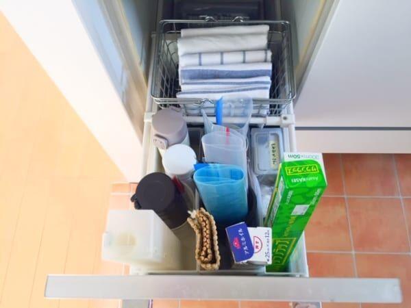 キッチンの引き出し2