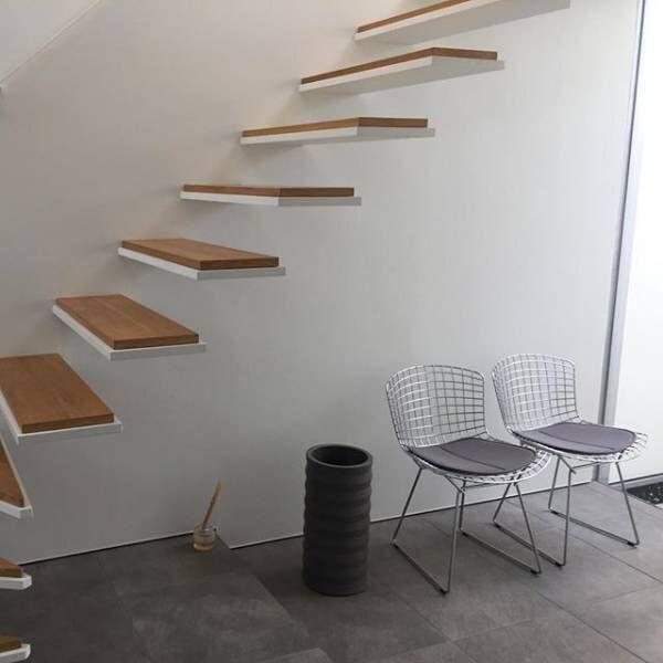 はっと目を奪われるデザイン!「階段」の美しさでインテリアが引き立つ!