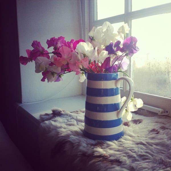 Flowerブルームなインテリア15選♡花でお部屋を素敵にスタイリングしよう