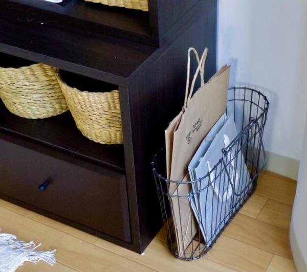 溜まって溢れる前にスッキリ収納!レジ袋や紙袋を使いやすく収納するアイデア