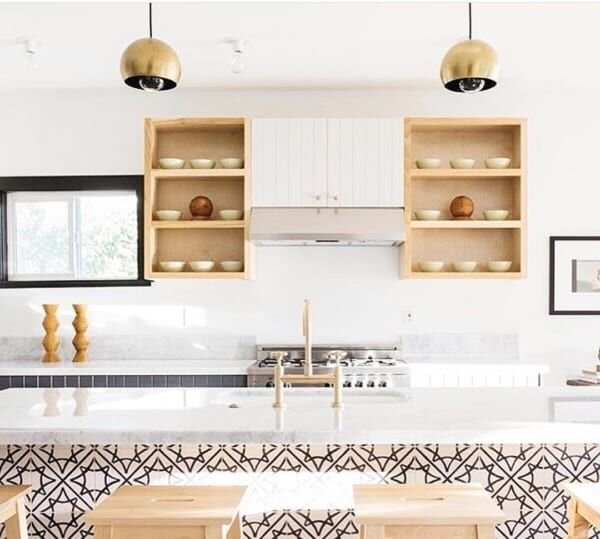 キッチンアイテム・食器の見せる収納術15選!インテリアの一部として見せて楽しむ♡