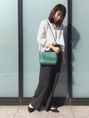 他の子に差をつけるなら♪グリーンのバッグを使っておしゃれ度あげた大人女子コーデを!