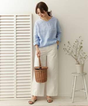 春物ショッピングの参考に♡シンプルな春色トップスで作る大人のきれいめコーデ集