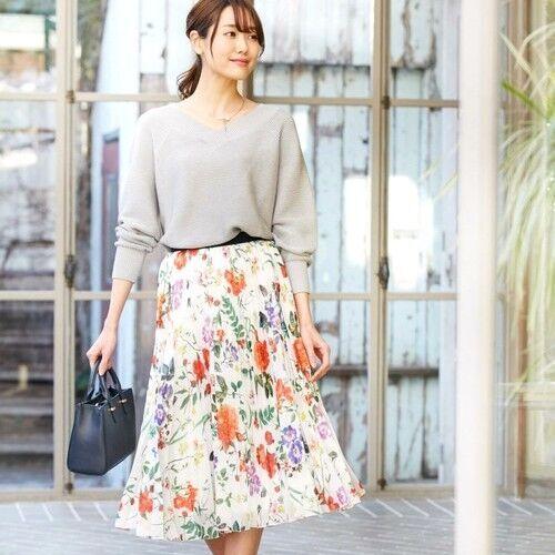 プリーツスカートでフェミニンに♪大人女子のおしゃれな春コーデをご紹介します