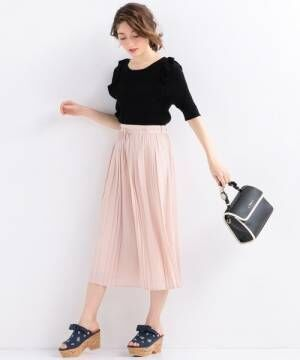 春色ピンクのパンツで颯爽と歩こう♪おしゃれさんに学ぶ大人女子コーデ♡