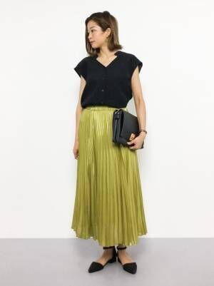 春夏は見た目から軽やかに♪ブラックのクラッチバッグを使った大人女子コーデ!
