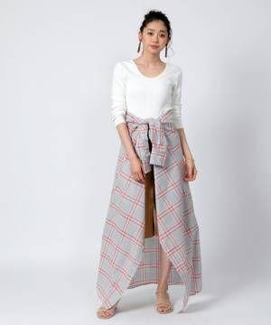 ホワイトの長袖トップスをおしゃれに着こなそう♪今の時期にぴったりな大人女子のコーデ特集