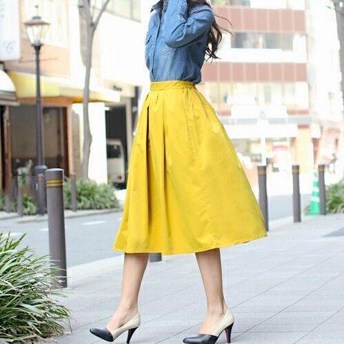 軽やかに穿きこなしたい!「イエロースカート」で春のカジュアル&きれいめの着こなし術をご紹介