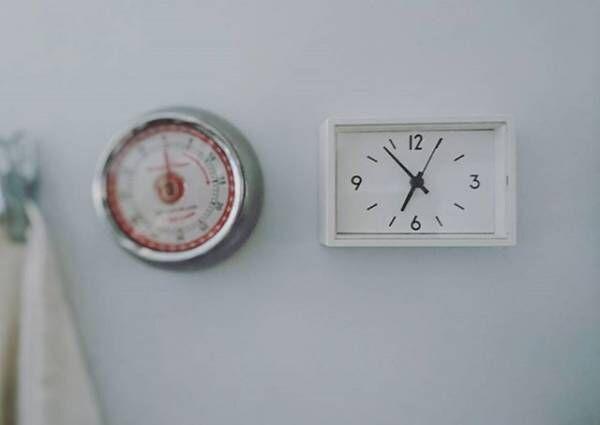 シンプルでみやすい!おしゃれな無印良品の〝駅の時計〟を使ってみよう