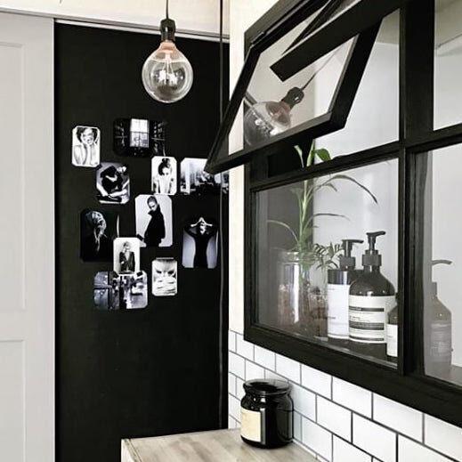 窓枠をプラスして海外風窓に!木材だけでない窓枠作りのアイディアをご紹介