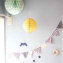 丸くて可愛らしいインテリアアイテム!ハニカムボールをお部屋に飾ろう