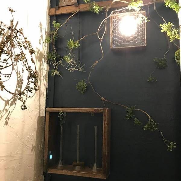 インテリアに遊び心をプラス♪お花やグリーンを理系アイテムでおしゃれに飾ろう!